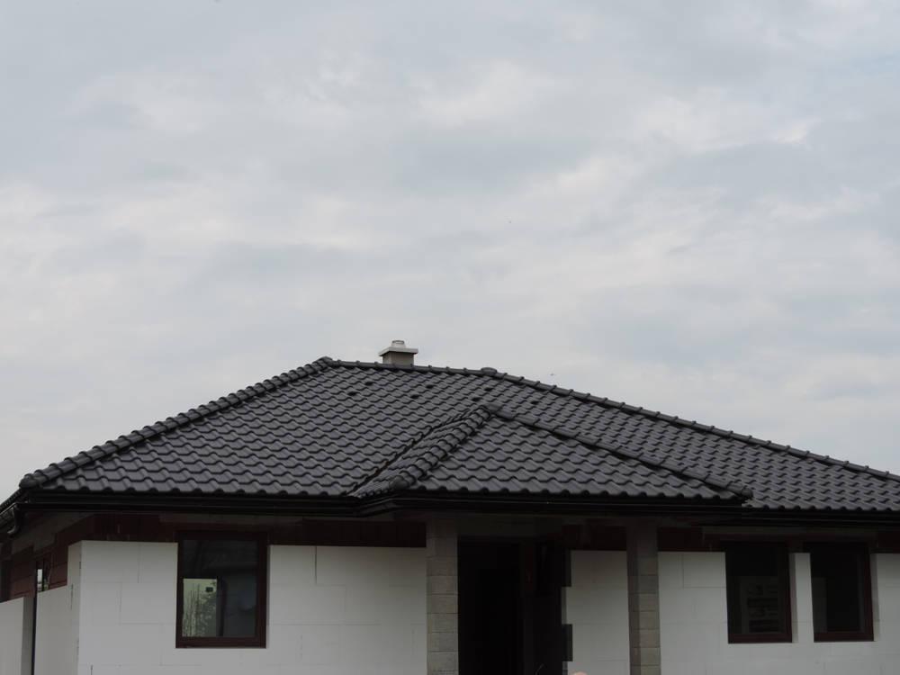 Keramická strešná krytina Röben monza plus antracitová engoba - realizácia strechy
