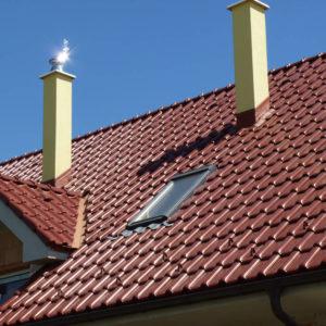 Keramická strešná krytina Röben monza plus gaštanová glazúra - realizácia strechy detail - strešné okno