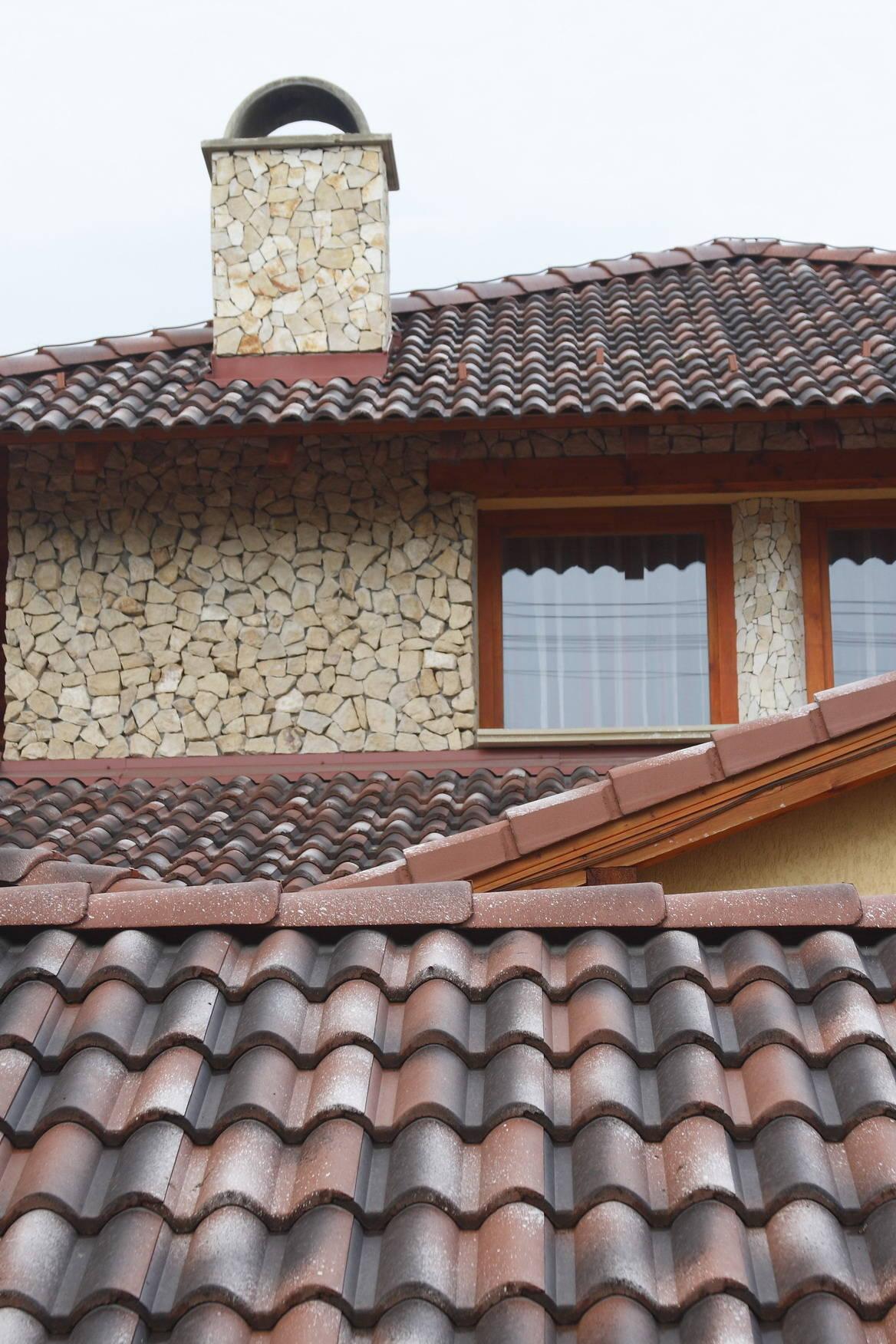 Betónová strešná krytina Terran Coppo venezia - realizácia strechy